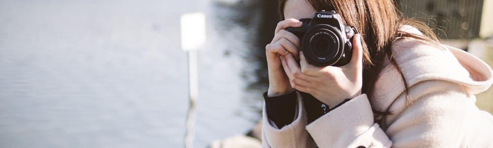 デート中にカメラを向けてくる彼女